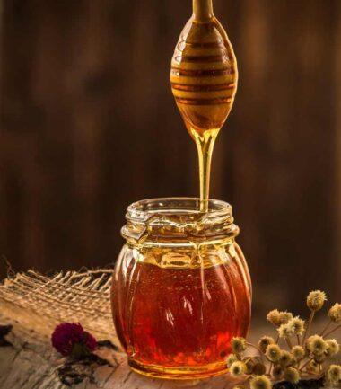 Top 10 Benefits Of Honey For Hair & 4 Effective DIY Honey Hair Masks