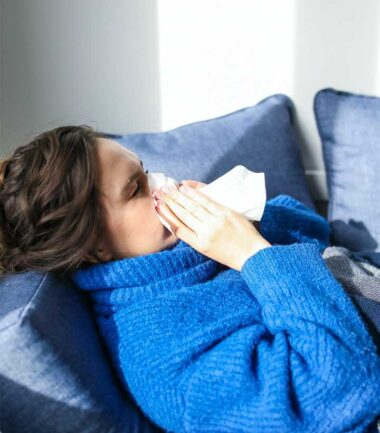 How to Stop, Treat and Prevent Nose Bleeding (Home Remedies)